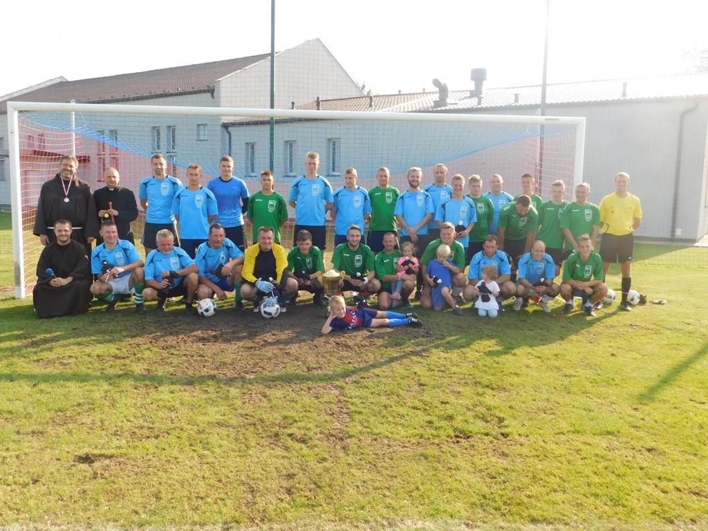 8.09.2018 - Międzyparafialny mecz piłki nożnej o Puchar Kobylińskich Proboszczów